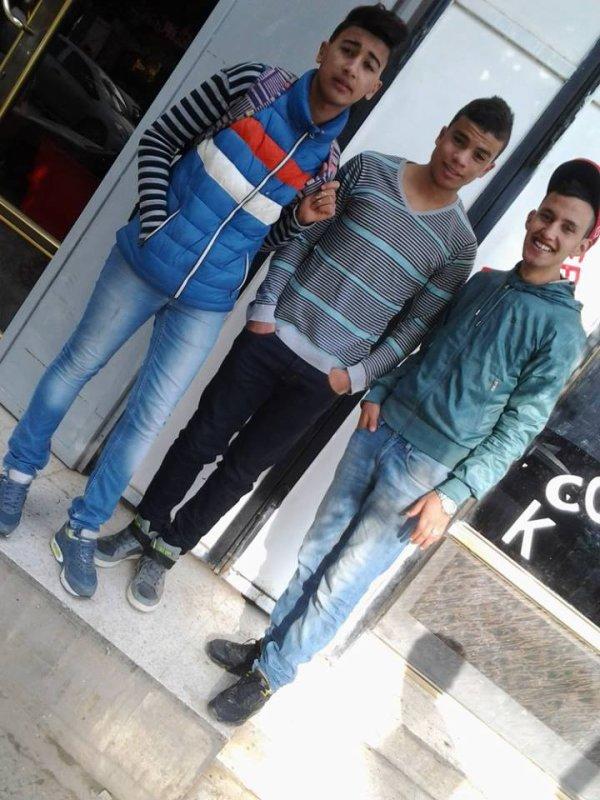 Avec Les Amis <3