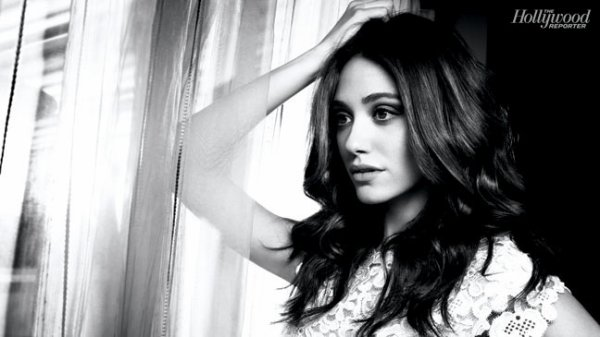 ■ [ PhotoShoot ]  Emmy Rossum fait la une de The Hollywood Reporter