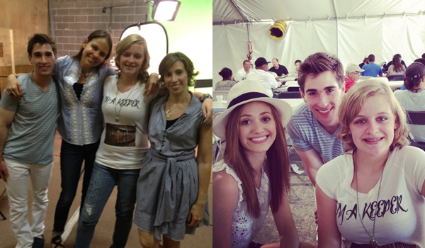 ■ [ On The Set ]  Taylor & Rebekah avec les auteurs & Emmy