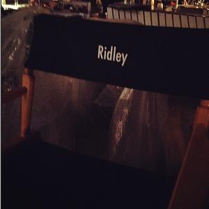 ■ [ Tournage ]  Photo de la chaise de Emmy/Ridley