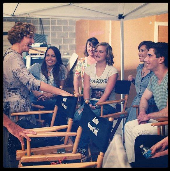 ■ [ 16 Lunes ]  Emma sur le tournage !
