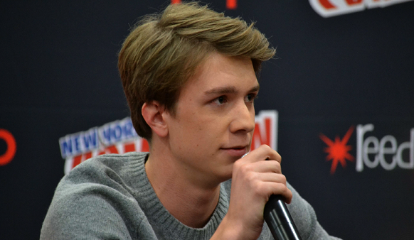 ■ [ Sublimes Créatures ]  Interview de Thomas Mann lors du New York Comic ConPar CasterGirls & BeautifulCreaturesMovie.com