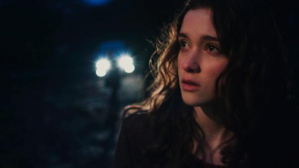 ■ [ Alice Englert ]  Nouvelles images du film In Fear