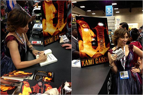 ■ [ Kami Garcia ]  L'auteur était au Comic-Con !