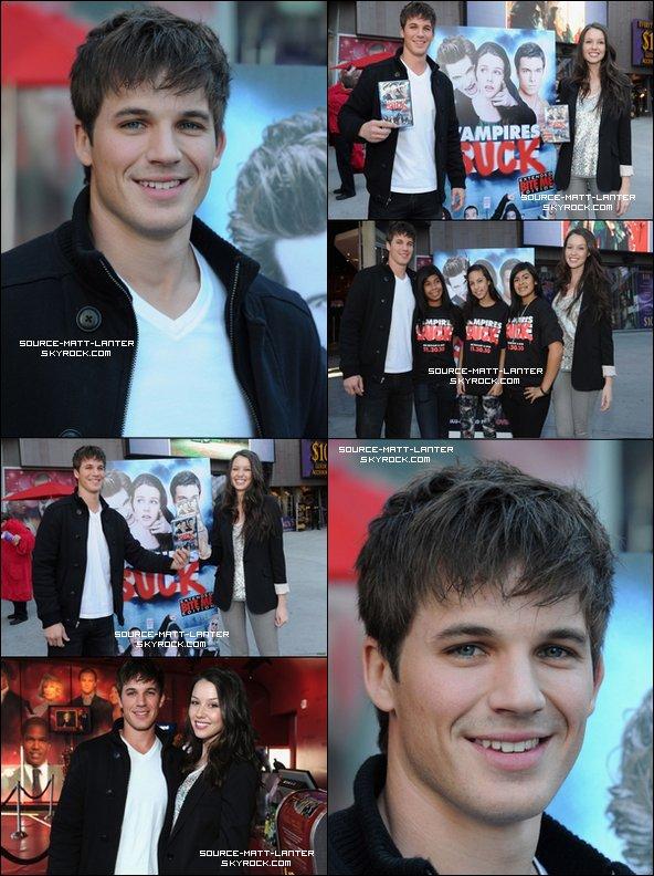 """30 novembre 2010. Matt et sa partenaire du film """"Vampire Suck"""" fessait la promo de leur DVD Blue-Ray. Ton Avis ?"""