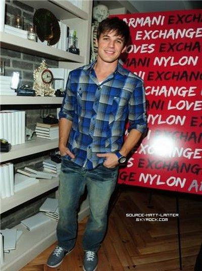 Le 10 décembre 2010. Matt aux dinner Nylon & A/X avec une partie du cast de 90210. Magnifique dans sa chemise à carreaux. J'adore sa tenue. Ton Avis ?