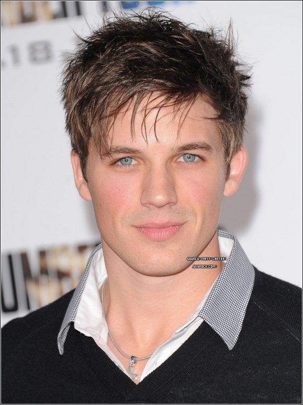 """Le 9 Février 2011. Matt était à la Premiere de """"I Am Number Four"""" à Los Angeles avec sa petite amie. Ton Avis ?"""