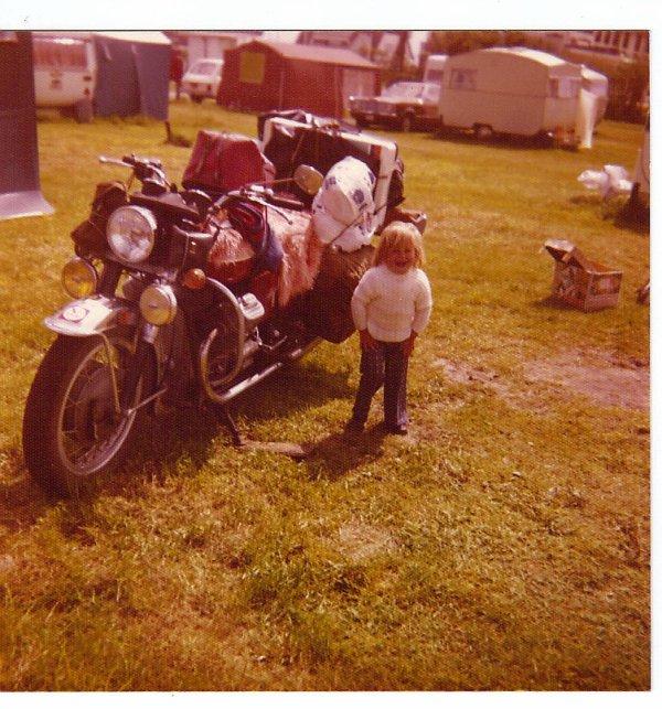 quelques photos de motos. il y a plusieurs années mais .....