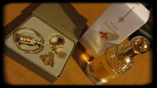 Magnifique cadeau de ma mamoune :p j'adore j'adore :p !!