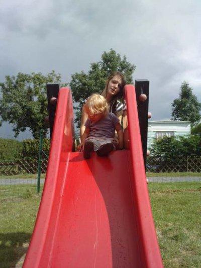 lukas surle tobocan avec sa soeur