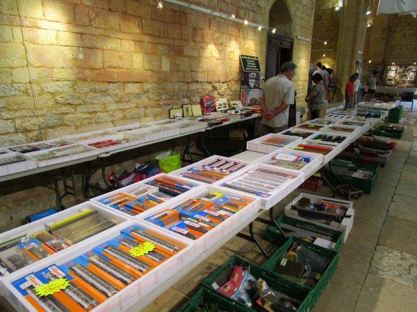 De Biarritz , Babeth et Jean Claude nous exposent a la vente un superbe étalage de matériel ferroviaire en tout genre !