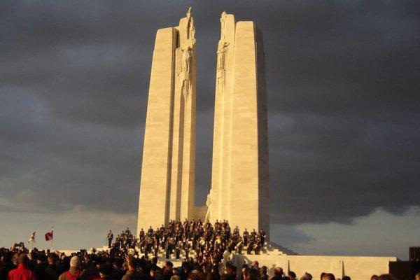 """Commémoration des 90 ans de la bataille d'Artois  """"Photo perso"""""""