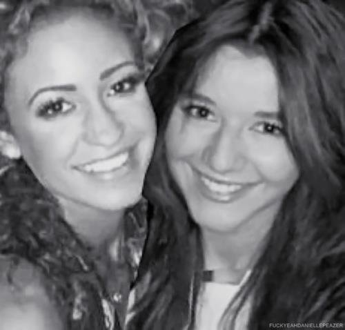 Danielle et Eleanor.♥