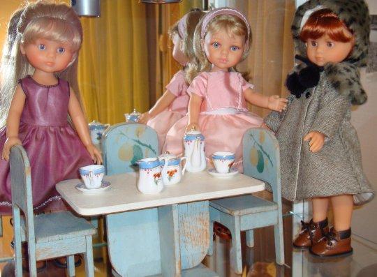 merci mes amies ,un petit café ne sera pas de refus !