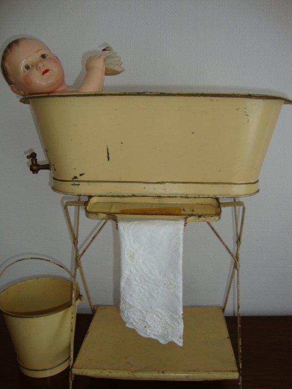 le bain de monsieur bébé .