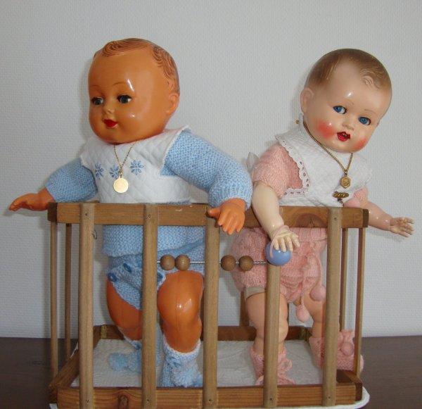 Zoé et Michel sont impatients depuis qu'ils savent que petit Pierre doit arriver cette  semaine......Il va falloir attendre encore  petits enfants !
