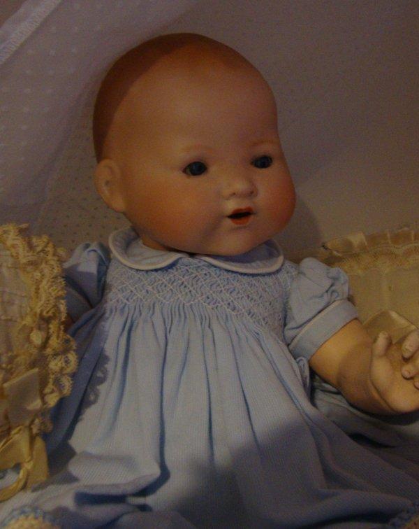 """Bébé Steiner  bouche fermée   et bébé A.Marseille """"Gloria"""".  ..Deux joyeux complices .Ils sont tous deux de taille 3."""
