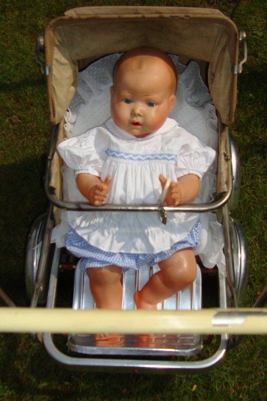 je vous présente Gaspard nouveau né de petitcollin 50cm....c'est le cousin du joli Octave de crysvon ..ce sont de ravissants bébés......