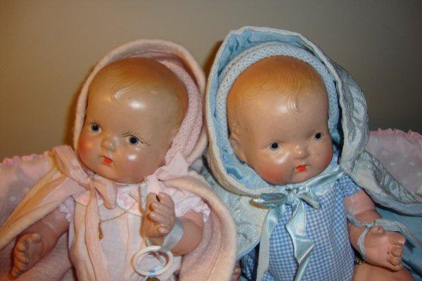 l' un ne va pas sans l'  autre.....  deux petits americains dans un couffin .