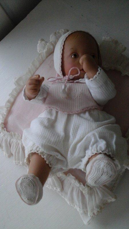 """bébé """"White balloon """" des années 2000,merci Bernadette pour ton éclairage."""