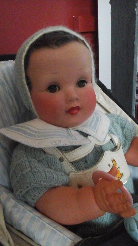 Voici le cousin de mon ancien Nano....Celui ci est en cellulo ,il a gardé beaucoup de fraîcheur  avec ces jolies couleurs sur ses joues rebondies.