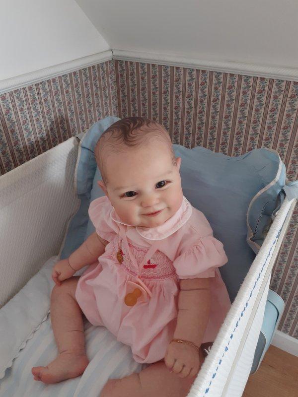 """Dans un tout autre registre"""" Joséphine"""" ,mon bébé souriant et potelé ."""