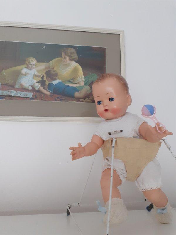 """Bebe """" ideal """"  Raynal de 1957 . Un minois dont on ne se lasse pas ."""
