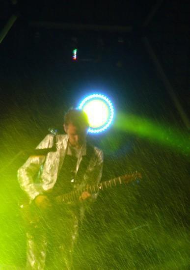 Muse, Trop bon ce concert, , rentrée trempée, un rhume,  la voix pétée, mais on seen fou on les a vu !!!! 8D