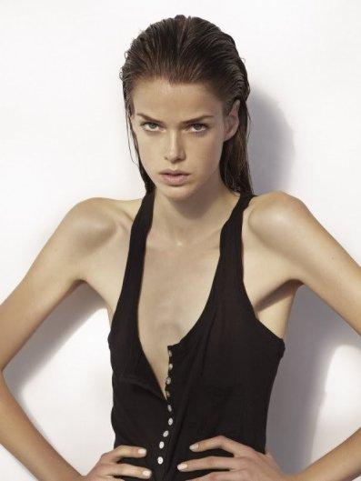 Zoom sur Julia Saner / Top 50 Models (Ranked # 40)