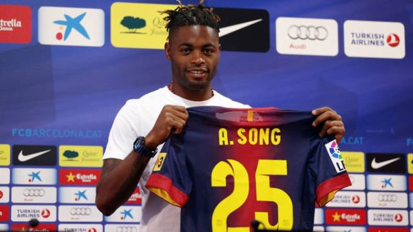 Song presented as a new Barça player