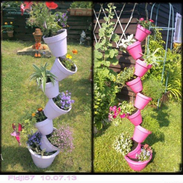 un aperçu des deux colonnes de pots de fleurs .....