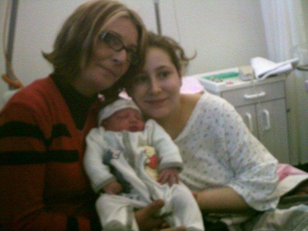 moi , ma mère et mon fils lucas