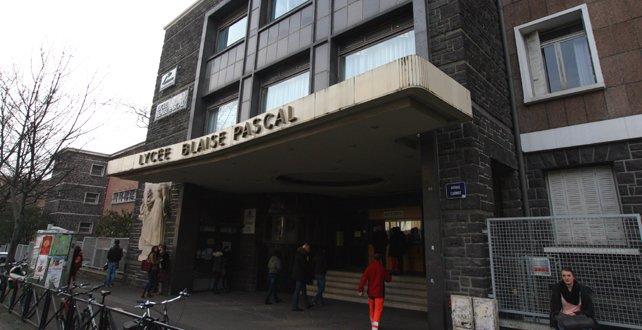 Mon Lycée Que des con les Prof (: date de la photo 05:21:2015