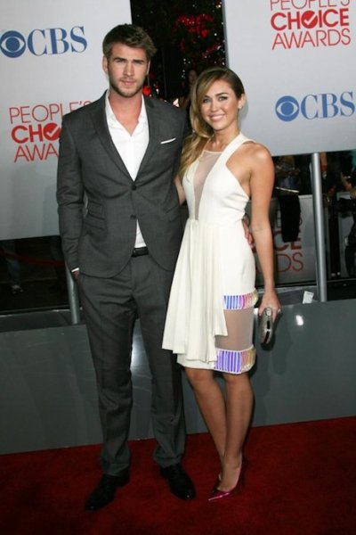 People's Choice Awards 2012 : Miley Cyrus et Liam Hemsworth