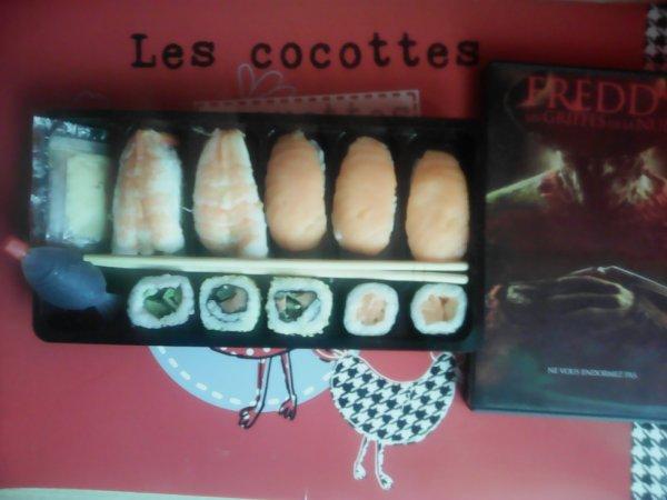Aujourd'hui je vais manger des sushis en regardant Freddy youpie
