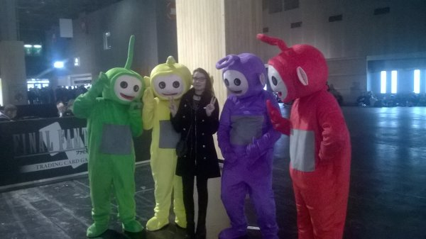 what il y avait les teletubbies a paris game week j'ai l'aire d'une traumatisé mdr^w^