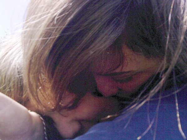 ~ L' αmour n'est qu'un mot jusqu'α ce qu'on trouve lα personne qui en donne du sens...♥ ;     *  Il y a 6,5 milliard de personne sur cet planete,mais c'est toi que j'aime *