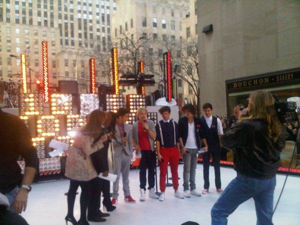 Photo provenant du tweeter des One Direction (12/03/12)