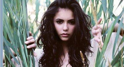 Toujours aussi belle, nous découvrons les nouvelles photos de Nina Dobrev alias Elena Gilbert. ©
