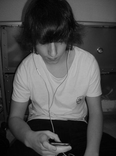 __Kubix iZ a Music Fanboy <3