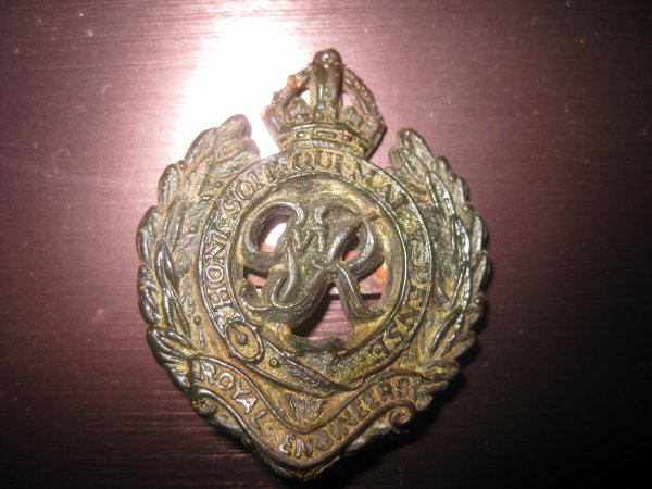 BADGE ANGLAIS GB ROYAL ENGINEERS PLASTIC WWII