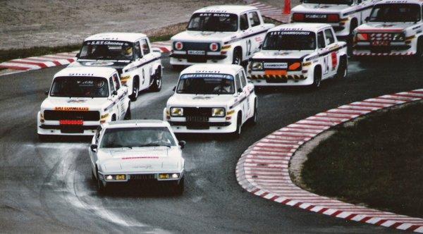srt cormeilles * Circuit de montlhery 1978 William Reiber Pierre de Manassein au départ en pole à coté Gérard Demonte et derrière Pierre Jean Paul Lhoste