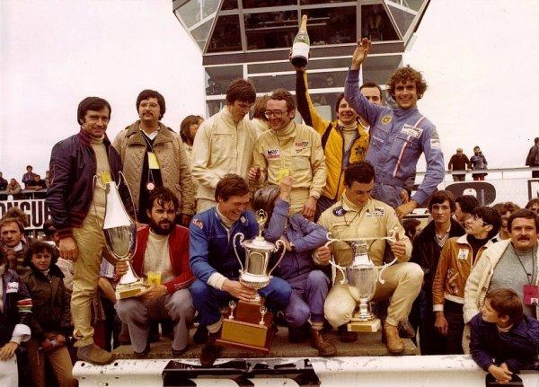 srt cormeilles * circuit de nogaro départ course des 24h 1977 * srt villemonble photos d'archives arrivée des 24h *