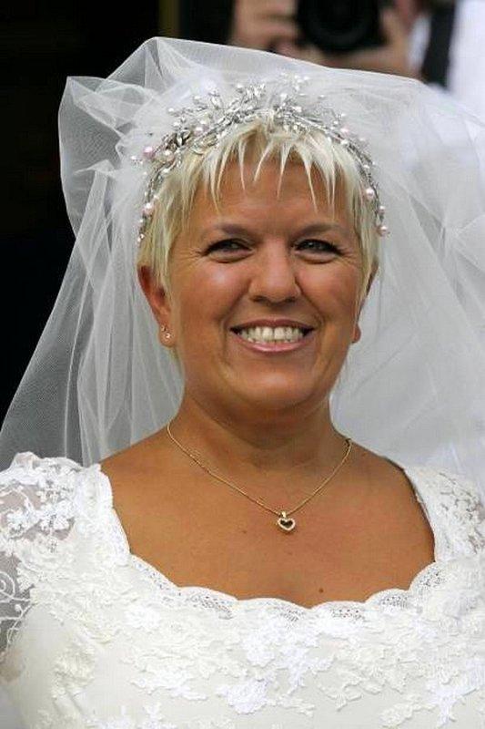 Mimie Mathy en mariée
