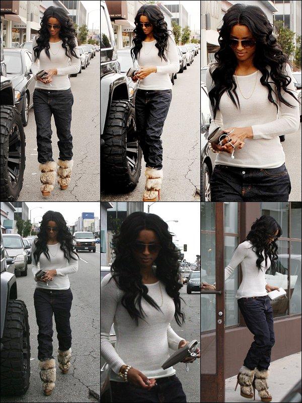 >Vendredi 18 Février Ciara repérée à Holliwood