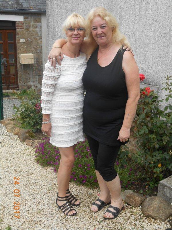 moi et ma petite soeur de coeur rose