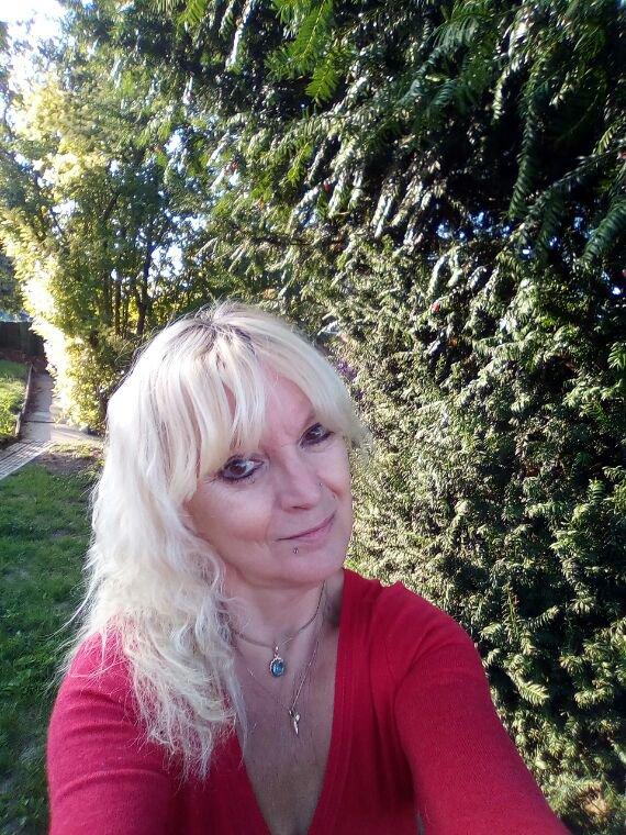 Bonjour à vous tous Brigitte fan de Julio bisous ❤❤❤❤