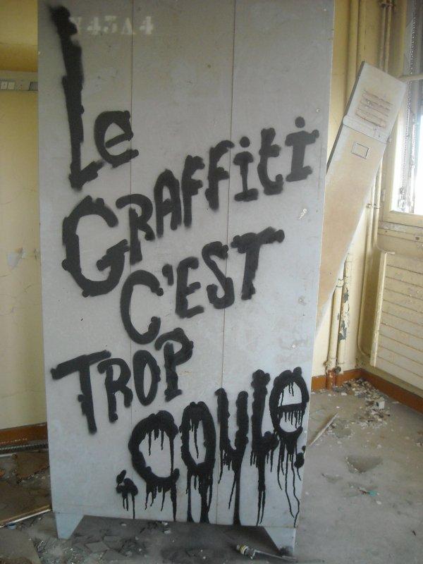Le graffiti c'est trop coule Hopital Sabourin Clermont