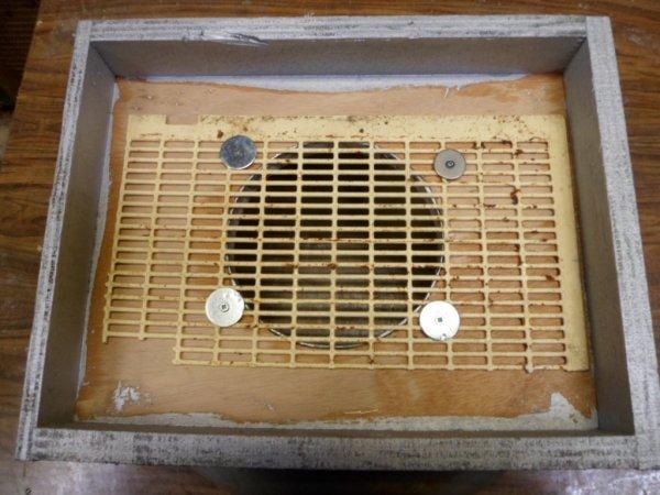 Confection d'un entonnoir pour faire des paquets d'abeilles pour les nuc avec grille à reine par sécurité