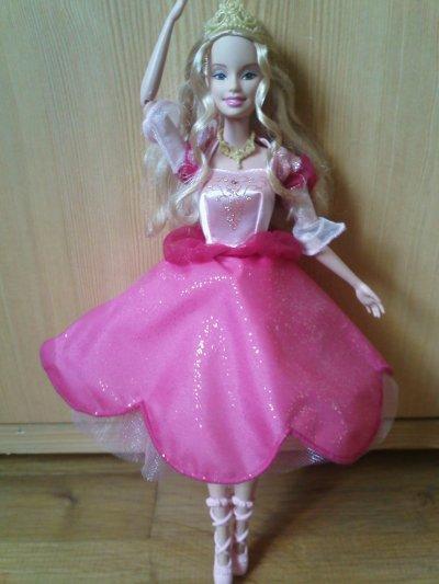 Geneviève (Barbie et les 12 princesses 2006)